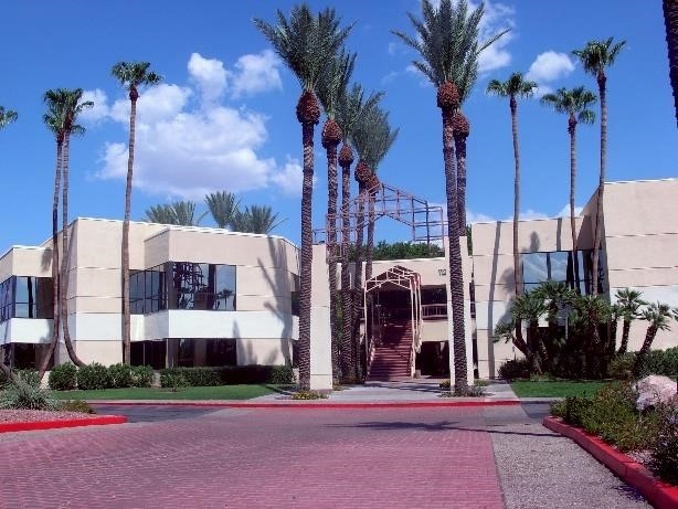 Unkefer & Associates lease over 16,000 SF at Lakeside Center, AZ